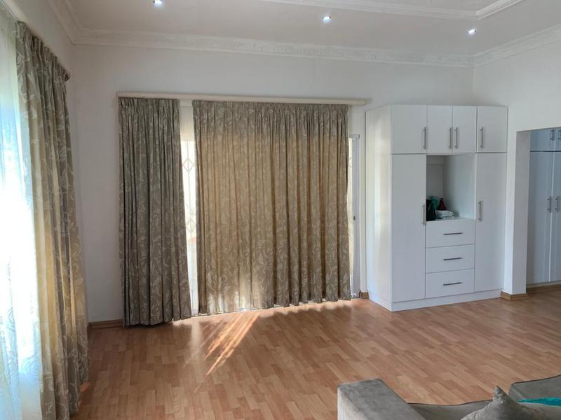 Property For Sale in Winston Park, Kloof 27